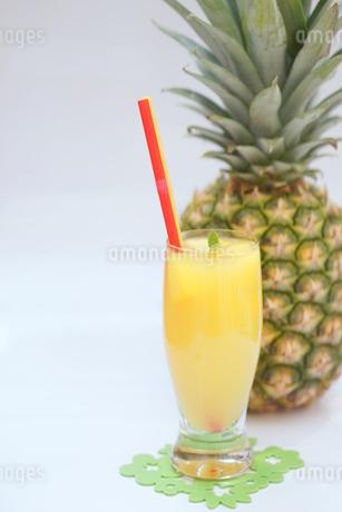 パイナップルジュースの写真素材 [FYI01249621]