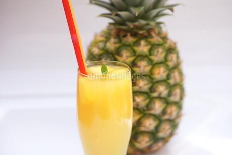 パイナップルジュースの写真素材 [FYI01249622]