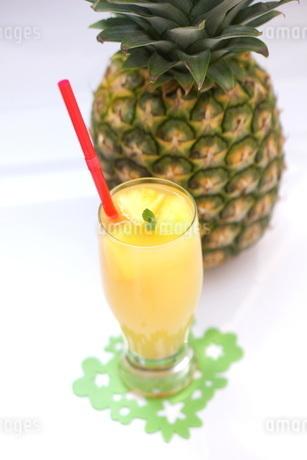 パイナップルジュースの写真素材 [FYI01249623]