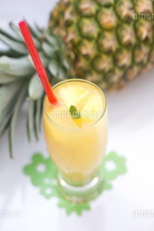 パイナップルジュースの写真素材 [FYI01249624]