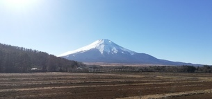 富士山 冬の大地の写真素材 [FYI01249892]