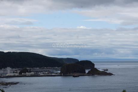 知床半島 プシェ岬からの風景(ウトロ)の写真素材 [FYI01250125]