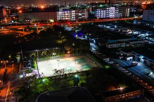 夜のテニスコートの写真素材 [FYI01250327]