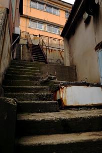 老朽化の進んだ町の写真素材 [FYI01250645]