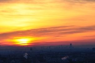 遠望 朝焼けの空の写真素材 [FYI01251168]