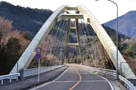 道志みちの橋 上野田大橋の写真素材 [FYI01251200]