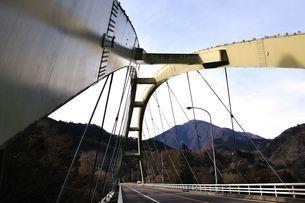 道志みちの橋 上野田大橋の写真素材 [FYI01251201]