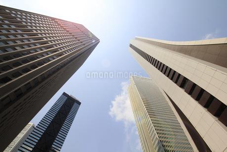 新宿高層ビル群と青空の写真素材 [FYI01251227]
