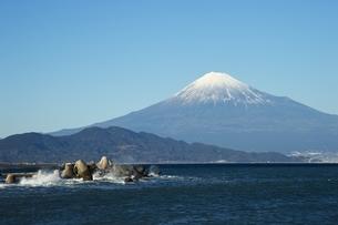 駿河湾からの富士山の写真素材 [FYI01251330]