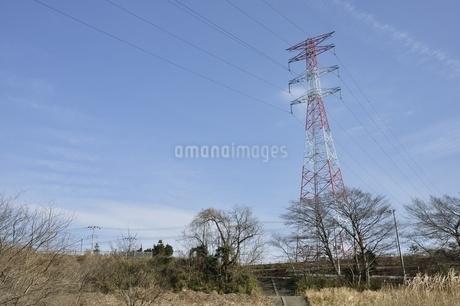 紅白の鉄塔の写真素材 [FYI01251399]