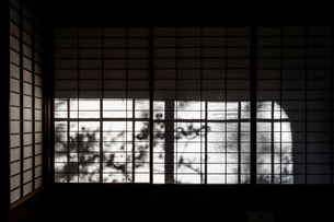 日本家屋のイメージの写真素材 [FYI01251519]