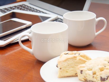 ノートパソコン ビジネスイメージの写真素材 [FYI01251632]