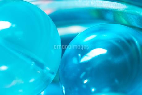 カラフルなビー玉の写真素材 [FYI01251959]