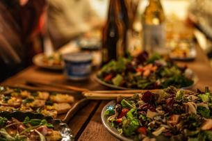 レストランでのディナーのイメージの写真素材 [FYI01252246]