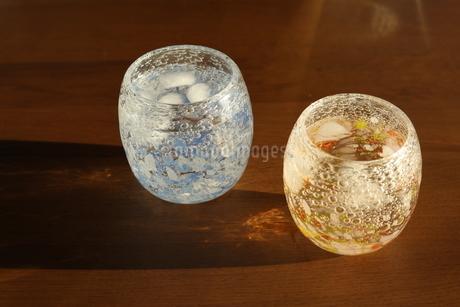 グラスと夕暮れの写真素材 [FYI01252404]