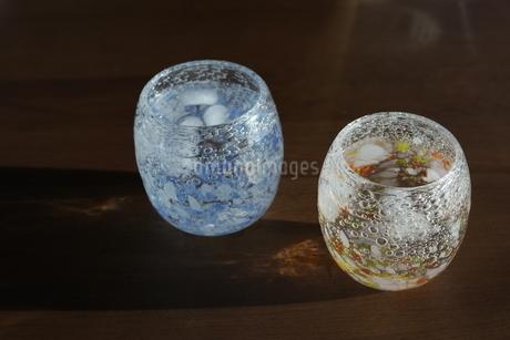 グラスと夕暮れの写真素材 [FYI01252405]
