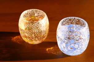 グラスと夕暮れの写真素材 [FYI01252408]