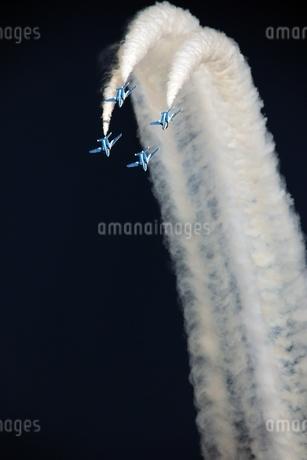 ダイヤモンドループ ブルーインパルスの写真素材 [FYI01252692]