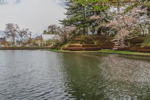 春の米沢城跡の風景の写真素材 [FYI01252749]