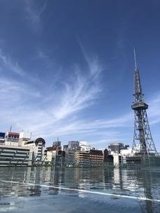 水に浮かぶタワーの写真素材 [FYI01252881]
