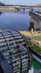 春の高滝湖の風景の写真素材 [FYI01253097]