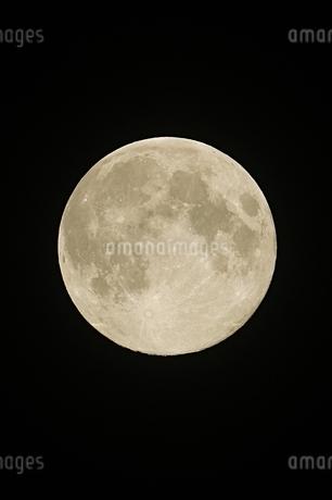 平成最後の満月の写真素材 [FYI01253630]