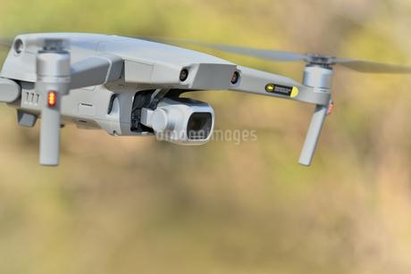 空撮専用の小型ドローンの写真素材 [FYI01254543]