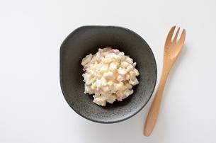 ホッキ貝のサラダの写真素材 [FYI01254779]