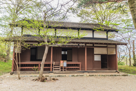 春の久保田城の御物頭御番所の風景の写真素材 [FYI01254908]