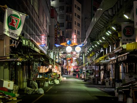 上野アメ横 夜景の写真素材 [FYI01255297]