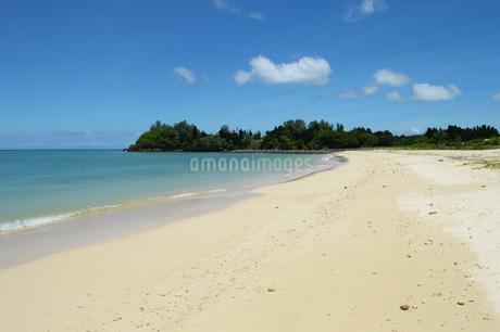 海と砂浜の写真素材 [FYI01255526]