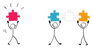 3人のパズルと連結のイラスト素材 [FYI01255877]