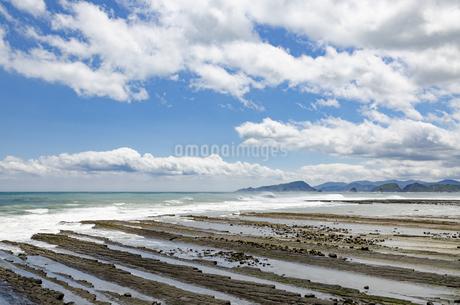 青空の日南海岸の写真素材 [FYI01256377]