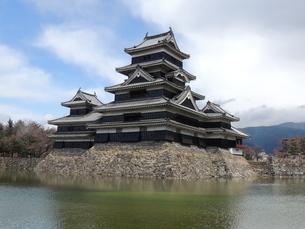松本城天守閣の写真素材 [FYI01256406]