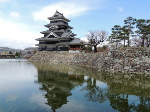 松本城天守閣の写真素材 [FYI01256410]