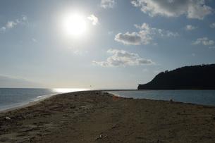 無人島の砂浜の写真素材 [FYI01256526]