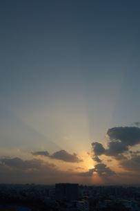夕日の海岸の写真素材 [FYI01256555]