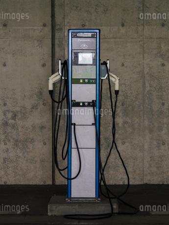 電気自動車 充電スペースの写真素材 [FYI01256651]