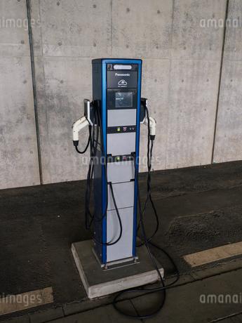 電気自動車 充電スペースの写真素材 [FYI01256654]