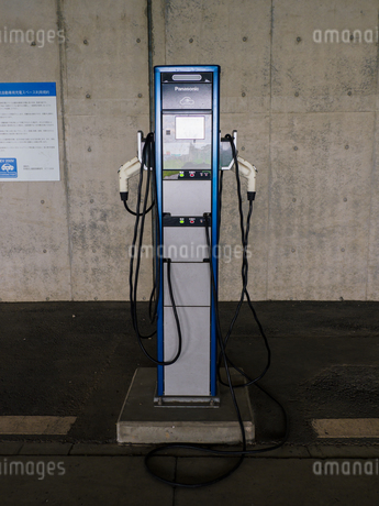 電気自動車 充電スペースの写真素材 [FYI01256655]