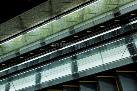 エスカレーターの写真素材 [FYI01256673]
