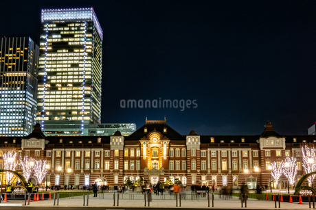 Illumination at Tokyo Stationの写真素材 [FYI01257312]