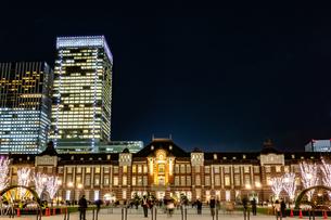 Illumination at Tokyo Stationの写真素材 [FYI01257313]
