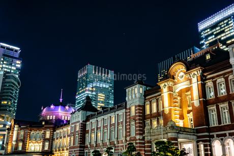 Illumination at Tokyo Stationの写真素材 [FYI01257319]
