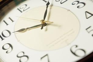 掛け時計の文字盤の写真素材 [FYI01257503]