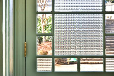 窓と窓ガラスの写真素材 [FYI01257537]