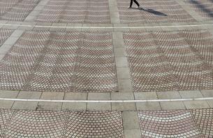 広場の地面の写真素材 [FYI01257594]
