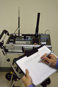 空気環境測定の写真素材 [FYI01257601]