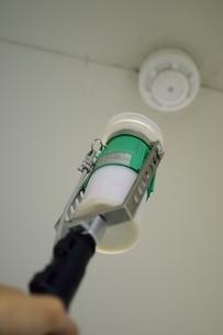 消防設備点検の写真素材 [FYI01257613]