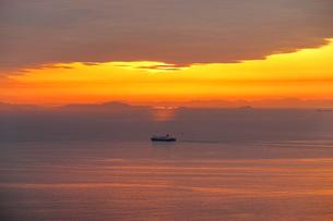 淡路島からの夕日の写真素材 [FYI01257644]